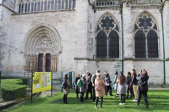 Besichtigung der Kathedrale von St. Denis. © HTW Berlin / Thomas Kämpfe