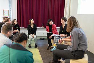 Infos und Gespräch über den Doppel-Master-Abschluss Berlin-Paris in Museumsmanagement. © HTW Berlin / Marco Ruhlig