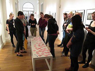 Museumspädagogische Übungsaufgabe zur Bildbetrachtung im Museum für Kunst und Gewerbe Hamburg © HTW Berlin / Tobias Nettke